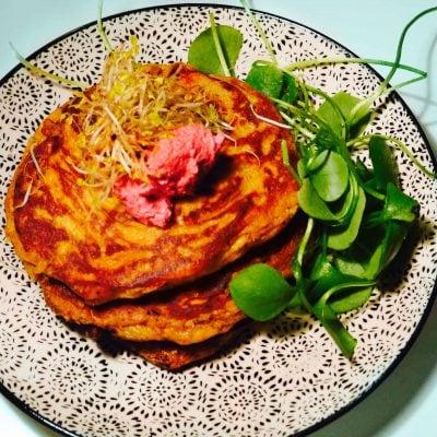 Süßkartoffelpuffer mit Rote Bete Creme